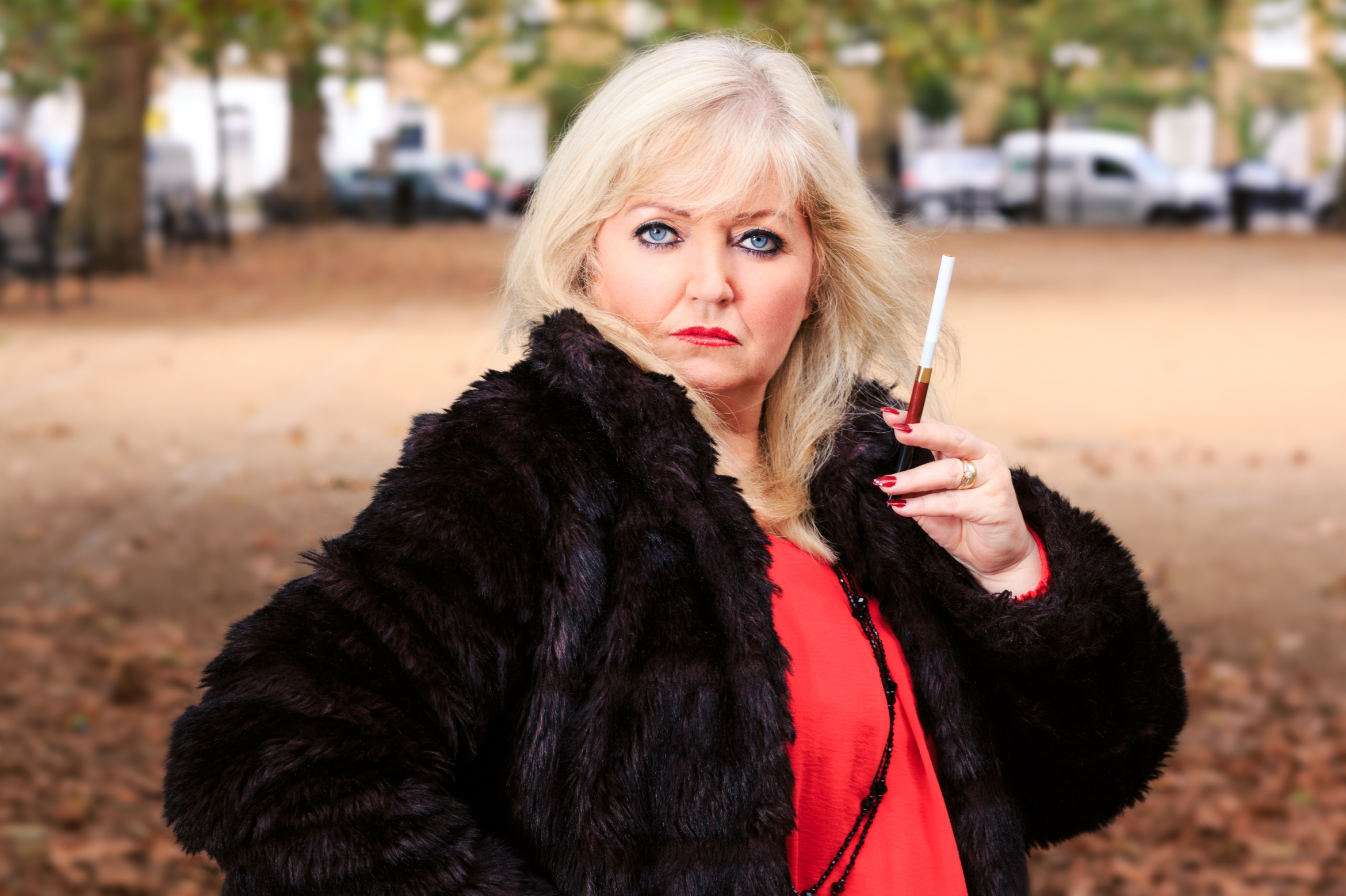RumpyPumpy Linda Nolan as madame Holly Spencer Photo Scott Rylander.jpg