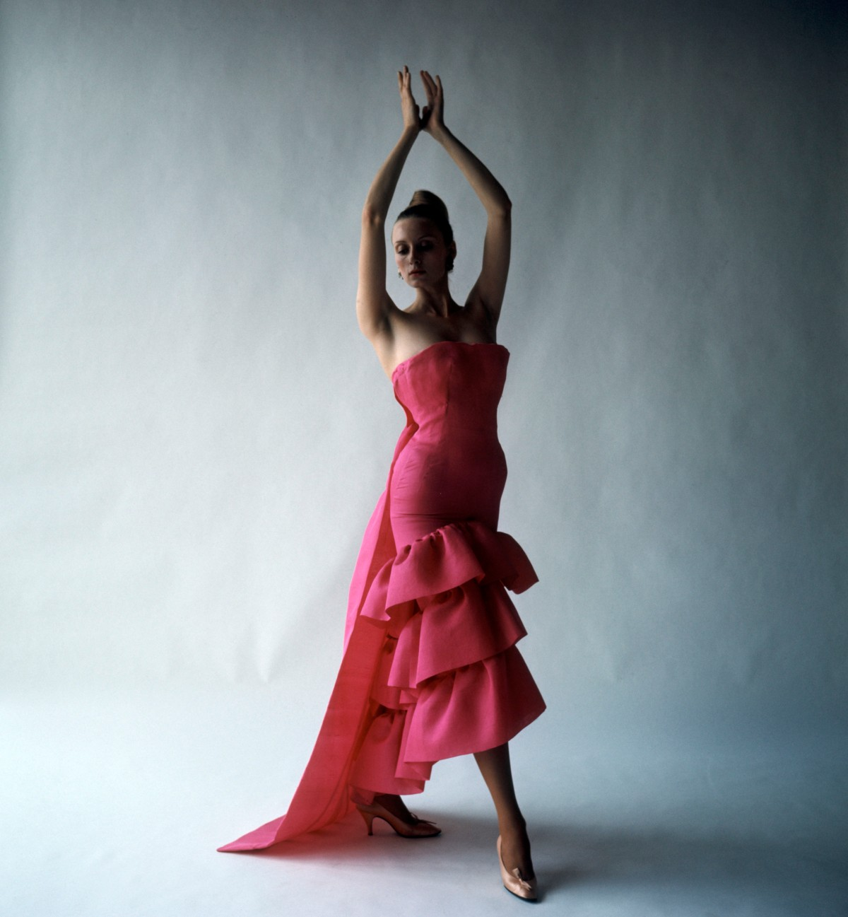 flamenco-style-evening-dress-cristobal-balenciaga-paris-1961-photograph-by-cecil-beaton-1971-cecil-beaton-studio-archive-at-sothebys