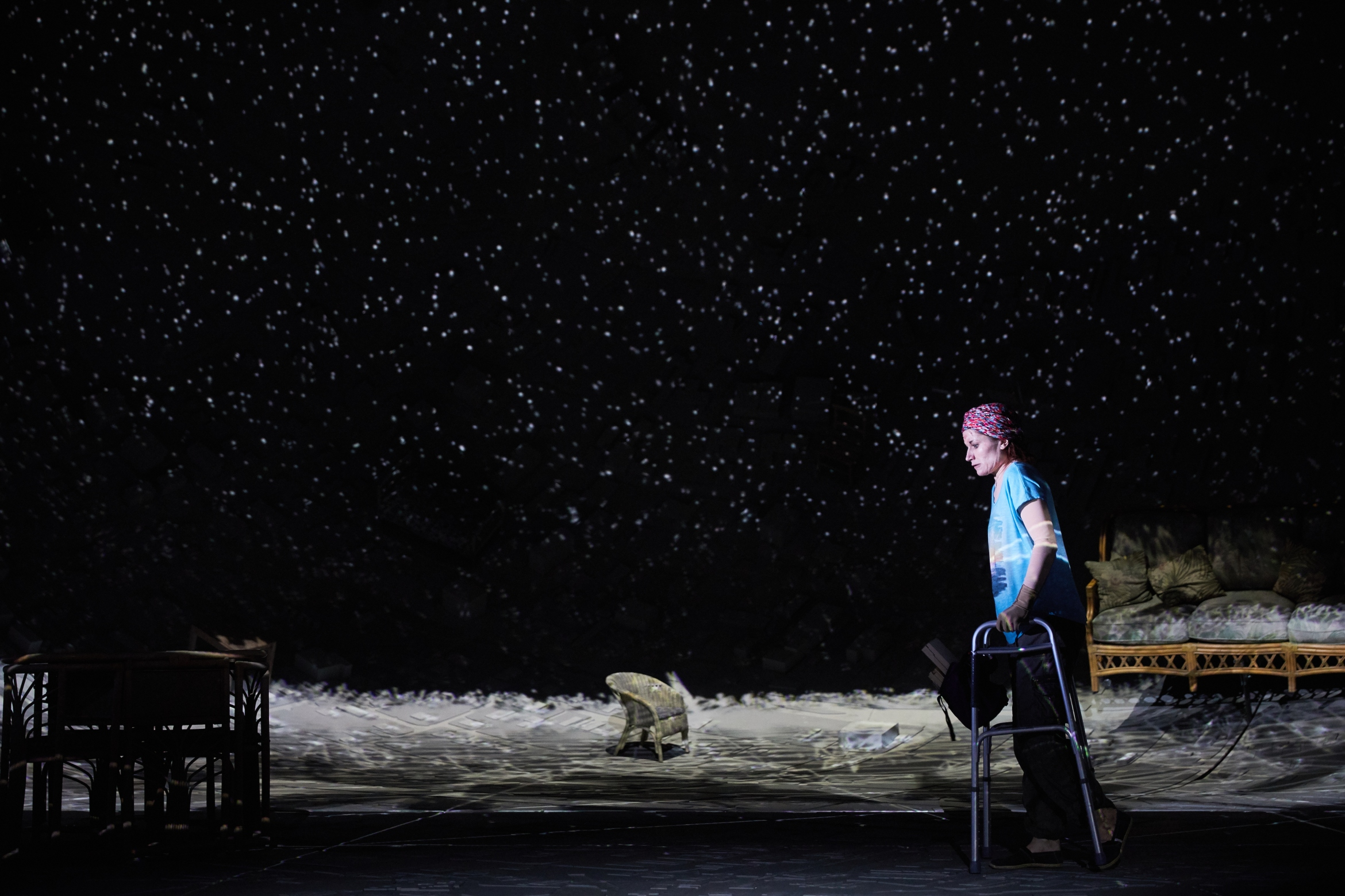 Ugly Lies the Bone at the National Theatre. Kate Fleetwood (Jess) Photo by Mark Douet _D4A1049.jpg