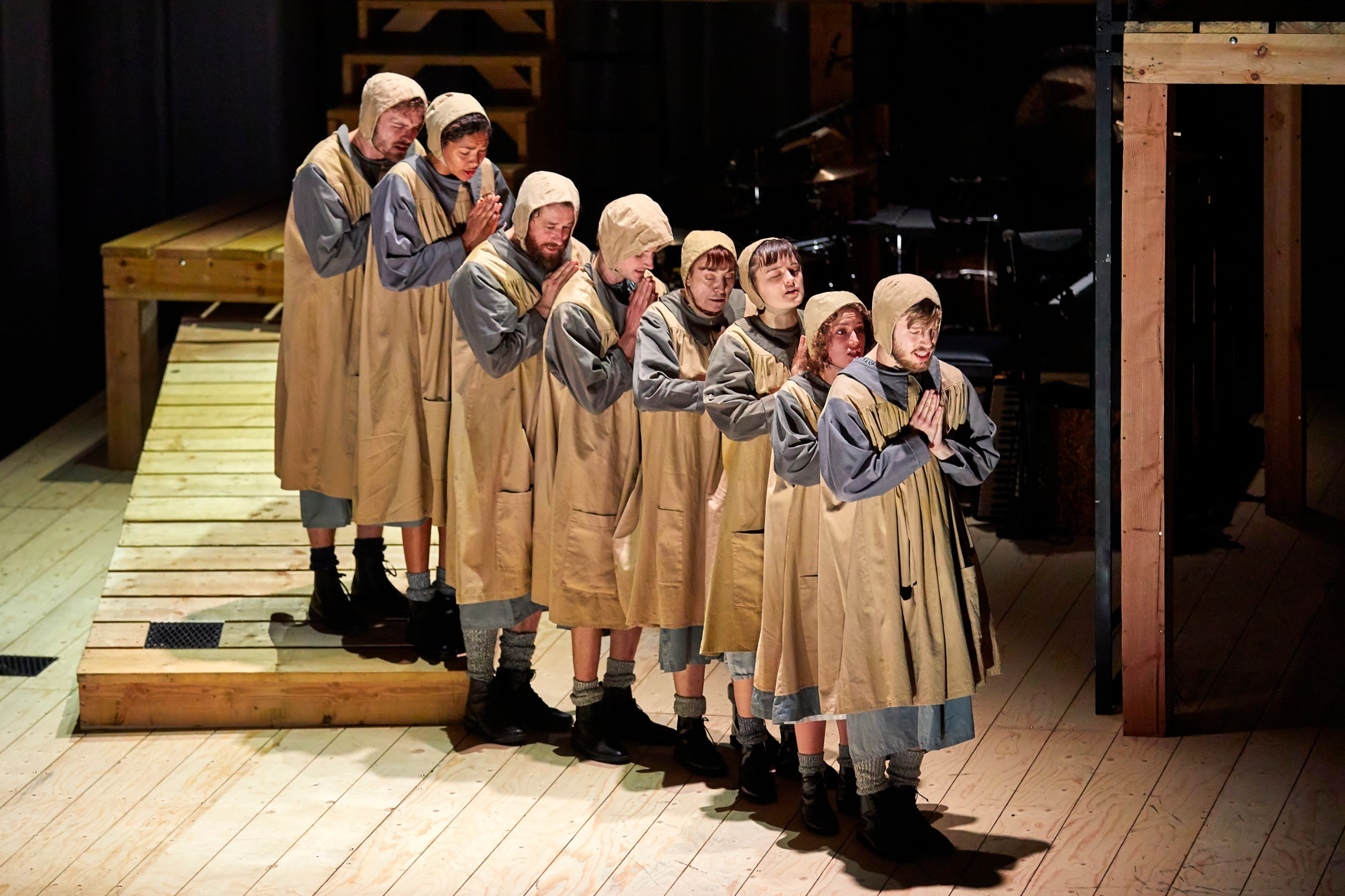NT Jane Eyre Tour 2017 ensemble. Photo by BrinkhoffMögenburg (11).JPG