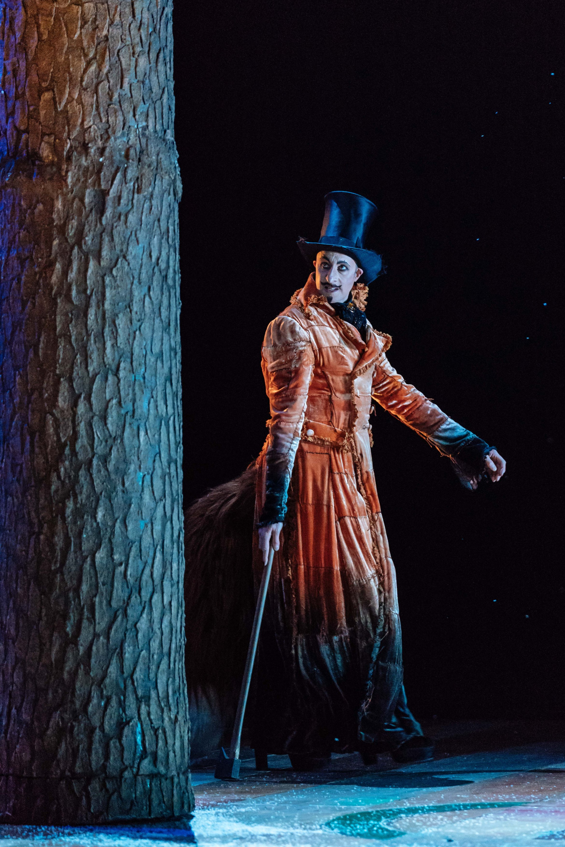 David Langham as The Fox in Pinocchio. Image Manuel Harlan.jpg